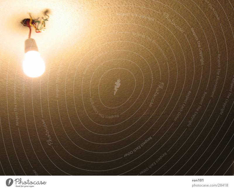 light Licht Lampe dunkel Glühbirne Häusliches Leben Kabel hell edison