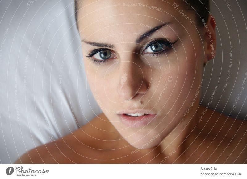 Go. Mensch feminin Junge Frau Jugendliche Erwachsene Leben 1 18-30 Jahre Gefühle Kraft Willensstärke Mut Leidenschaft Vertrauen Erotik schön Begierde Schminke