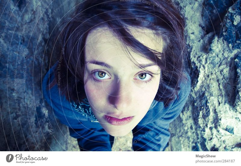 Das Mädchen mit den wunderschönstn Augen Mensch Jugendliche blau Gesicht Erwachsene 18-30 Jahre feminin Gesundheit hell träumen authentisch 13-18 Jahre
