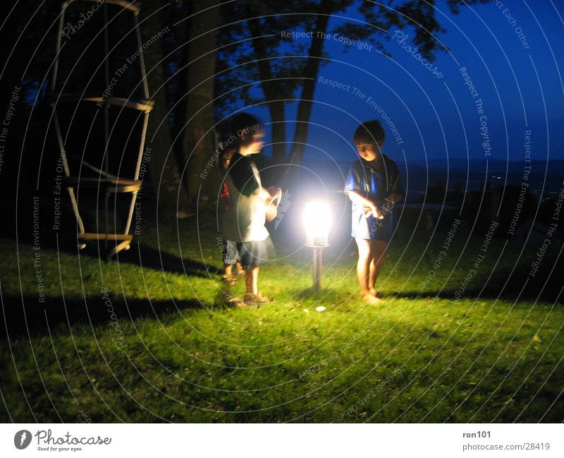 Kobolde Kind Junge Spielen Menschengruppe Laterne