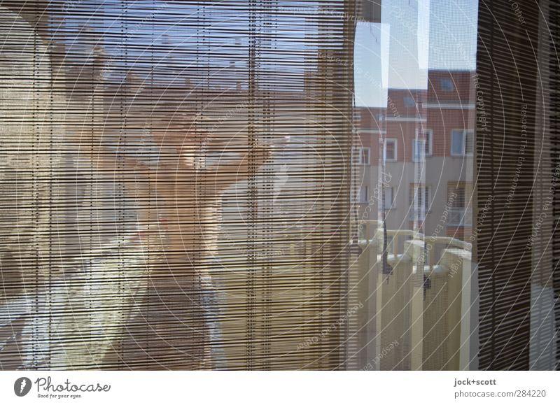 viel Sonne vorm Balkon Mensch Jugendliche Erholung Freude 18-30 Jahre Fenster Erwachsene Bewegung Stil Linie Fassade Lifestyle maskulin Häusliches Leben