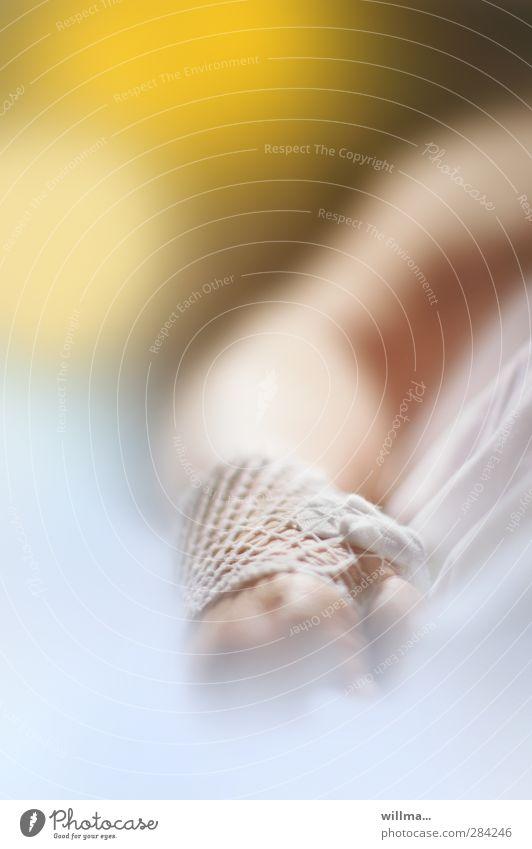 medizinische versorgung in der klinik Hand Arme Gesundheitswesen Schutz Krankheit Krankenhaus Operation Verband Seniorenpflege Krankenpflege Krankenbett Gaze