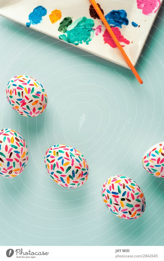 Lustige mehrfarbige Ostereier Palette von Farben und Kunstpinsel Design Freude Glück schön Dekoration & Verzierung Feste & Feiern Ostern Handwerk lustig oben