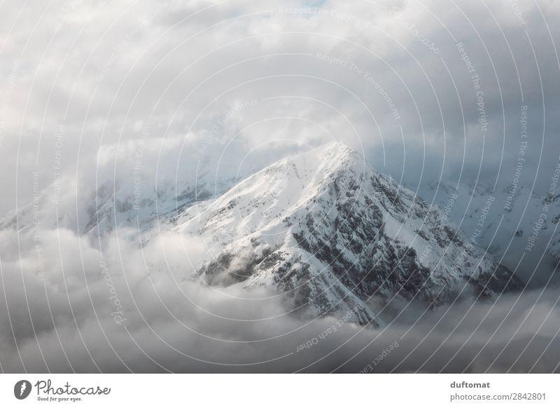 Das ist doch der Gipfel. Umwelt Natur Landschaft Urelemente Himmel Wolken Winter Klima Klimawandel Wetter Schönes Wetter Schnee Felsen Alpen Berge u. Gebirge
