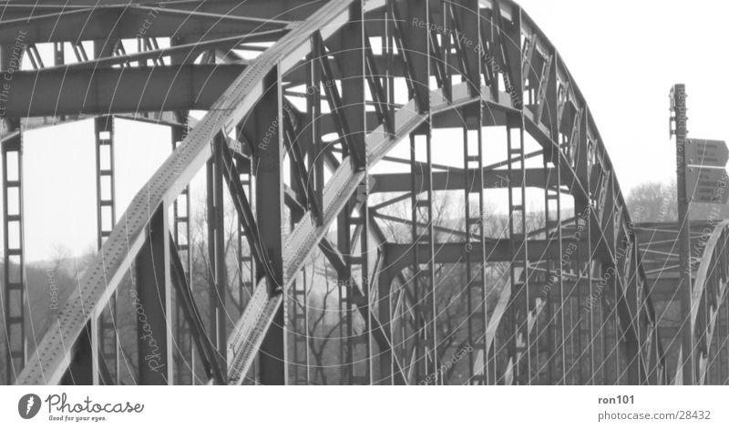 the bridge weiß Konstruktion Brücke stahl. schwarz Architektur