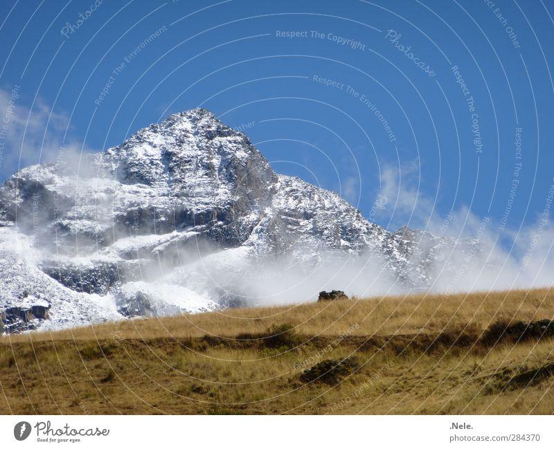 un nevado. Umwelt Natur Landschaft Urelemente Erde Frühling Wetter Nebel Eis Frost Schnee Berge u. Gebirge Schneebedeckte Gipfel Gletscher Kraft Gelassenheit