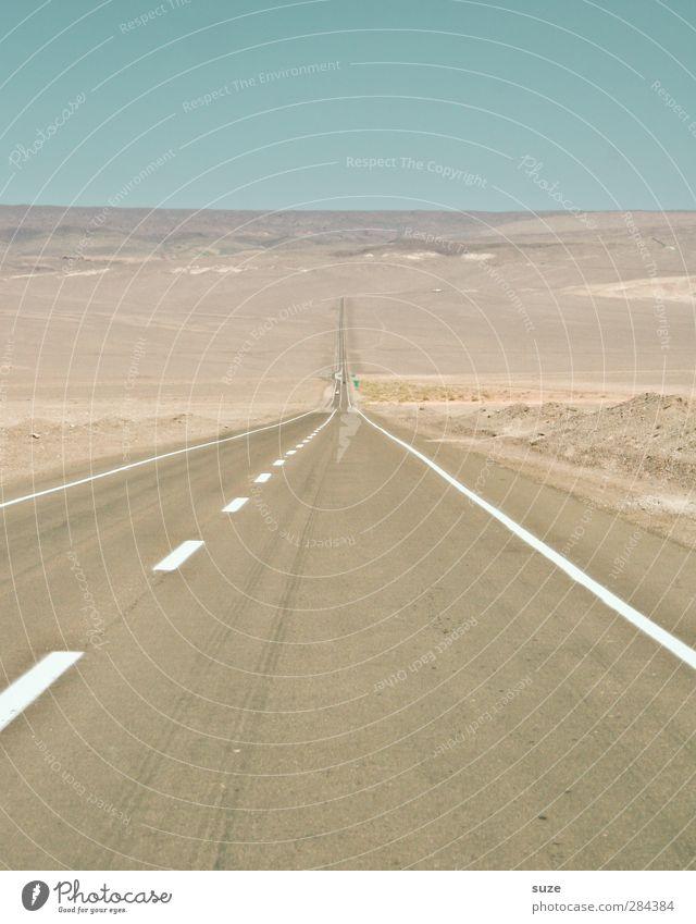 Bis zum Horizont ... Ferne Sommer Umwelt Natur Landschaft Urelemente Erde Himmel Klima Schönes Wetter Wüste Verkehr Verkehrswege Straßenverkehr Autofahren