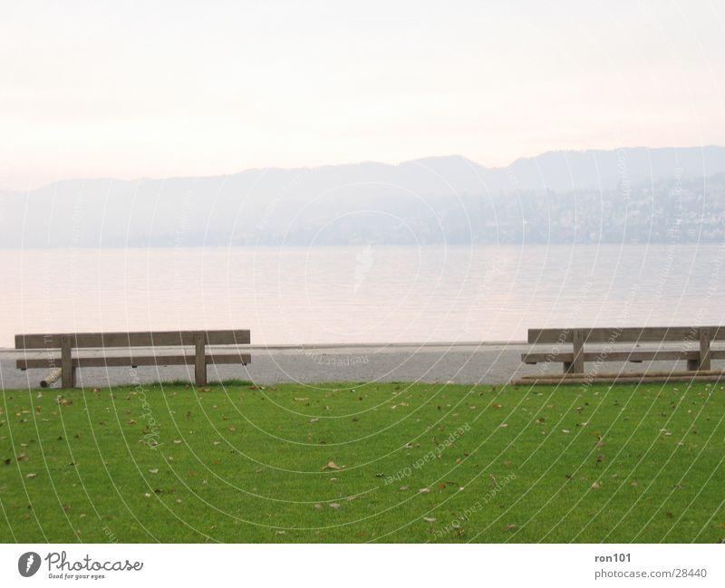 enjoy the silence..... ... .. . Natur Wasser grün blau ruhig Blatt Wiese Berge u. Gebirge Holz See sitzen Rasen Bank Hügel