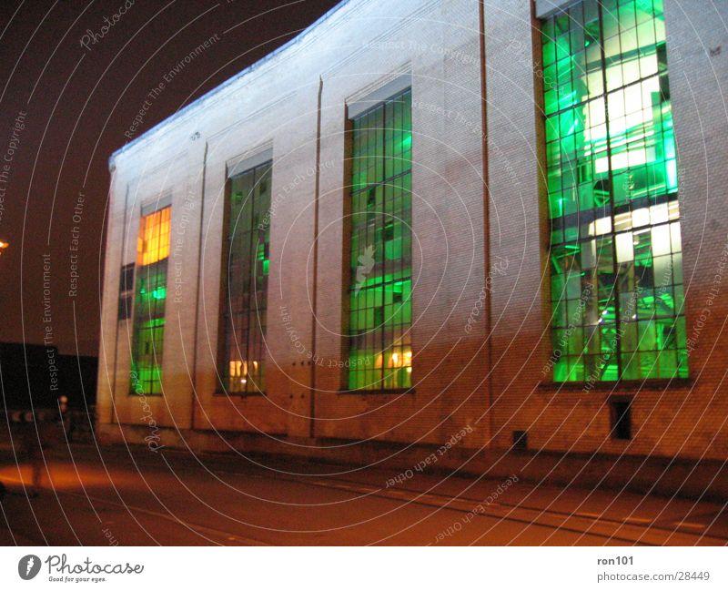 beleuchtung grün Gebäude Beleuchtung orange Architektur Fabrikhalle Fabrik