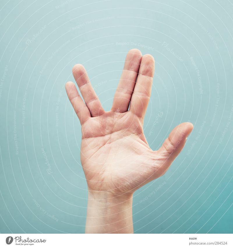 Seid gegrüßt Erdlinge Hand hell Arme Haut Finger Kommunizieren Coolness einfach Zeichen Frieden Europäer trendy Hinweis gestikulieren Daumen hell-blau
