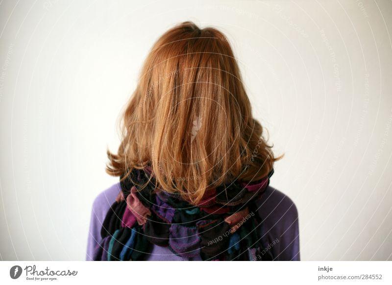 ganz die Mutti Mensch Kind Jugendliche Mädchen Leben Gefühle Haare & Frisuren Kopf Stil Stimmung außergewöhnlich Kindheit stehen 13-18 Jahre einzigartig lang
