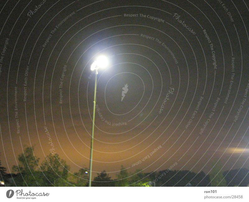 spot Lampe dunkel Nacht Licht Sonnenuntergang Scheinwerfer Abenddämmerung Lichterscheinung