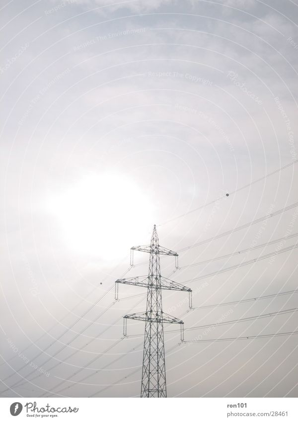 power Starkstrom Elektrizität Kraft grau Stahl Elektrisches Gerät Technik & Technologie Strommast Leitung