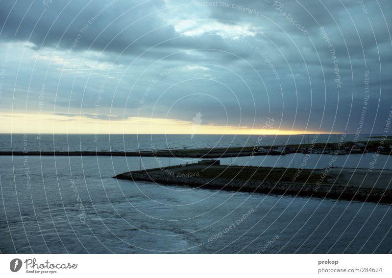 Ausfahrt freihalten Himmel Natur blau Ferien & Urlaub & Reisen Wasser Meer Einsamkeit ruhig Erholung Ferne Küste grau Freiheit Horizont Wellen Zufriedenheit