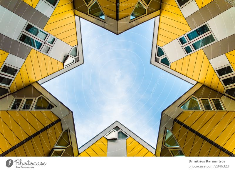 Sechs Würfel und ein Stern Rotterdam Niederlande Bauwerk Architektur Sehenswürdigkeit Blick schön einzigartig modern blau gelb friedlich Fernweh