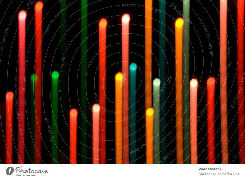 Fallendes Licht zieht sich an Kunst Linie Streifen hell mehrfarbig rot schwarz Farbe vertikal Lichtschweif Kraulen Linien parallel fett farbenfroh bunt hübsch