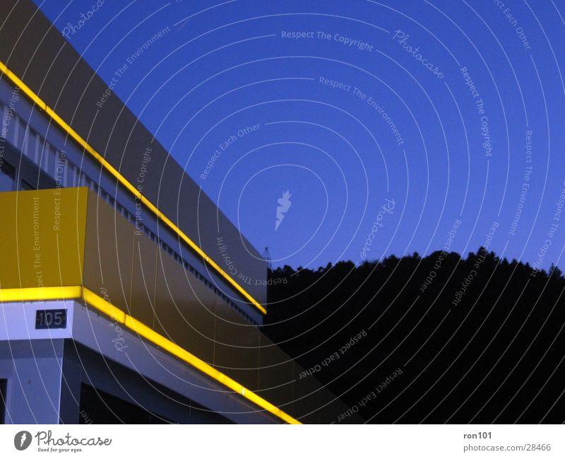yellow101 Himmel blau gelb Architektur Beleuchtung Neonlicht