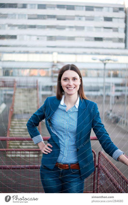 Business Woman Mensch Jugendliche schön Junge Frau 18-30 Jahre Erwachsene Büro Erfolg modern lernen Studium Freundlichkeit Industrie Bildung Geldinstitut
