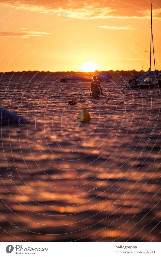 schöne Erfrischung (II) Ferien & Urlaub & Reisen Tourismus Ausflug Ferne Freiheit Sommer Sommerurlaub Sonnenbad Meer Wellen Mensch feminin Junge Frau