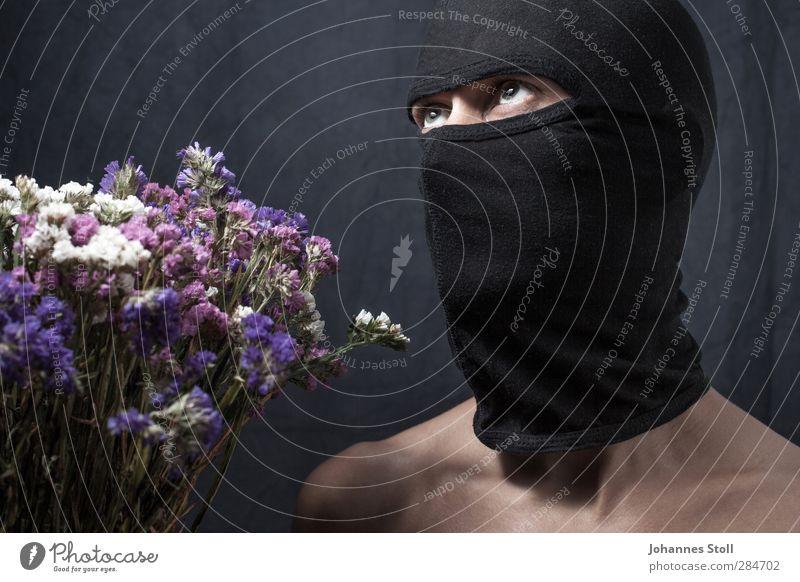 Durch die Blume Muttertag Geburtstag maskulin Mann Erwachsene Körper 1 Mensch 18-30 Jahre Jugendliche Mütze Sturmmaske Maske Aggression außergewöhnlich