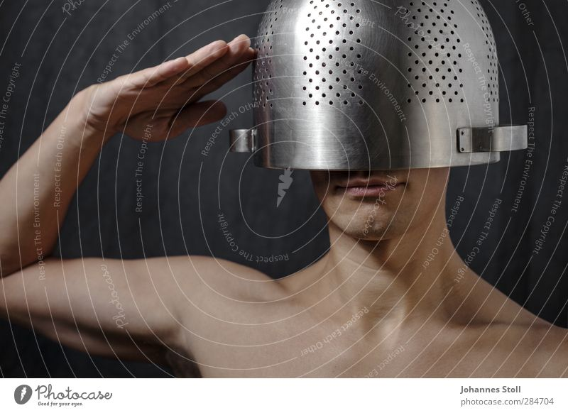 Lord Helmchen Mensch Jugendliche Hand Erwachsene nackt Kopf Essen 18-30 Jahre Metall Körper Gesunde Ernährung maskulin verrückt Ernährung Küche Gastronomie