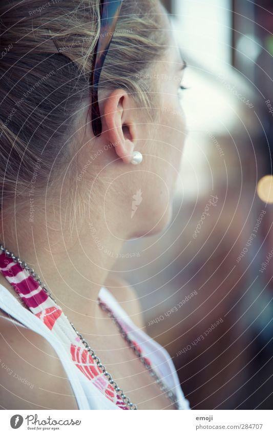 auf hoher See feminin Junge Frau Jugendliche Kopf 1 Mensch 18-30 Jahre Erwachsene schön anonym Farbfoto Außenaufnahme Tag Schwache Tiefenschärfe Rückansicht