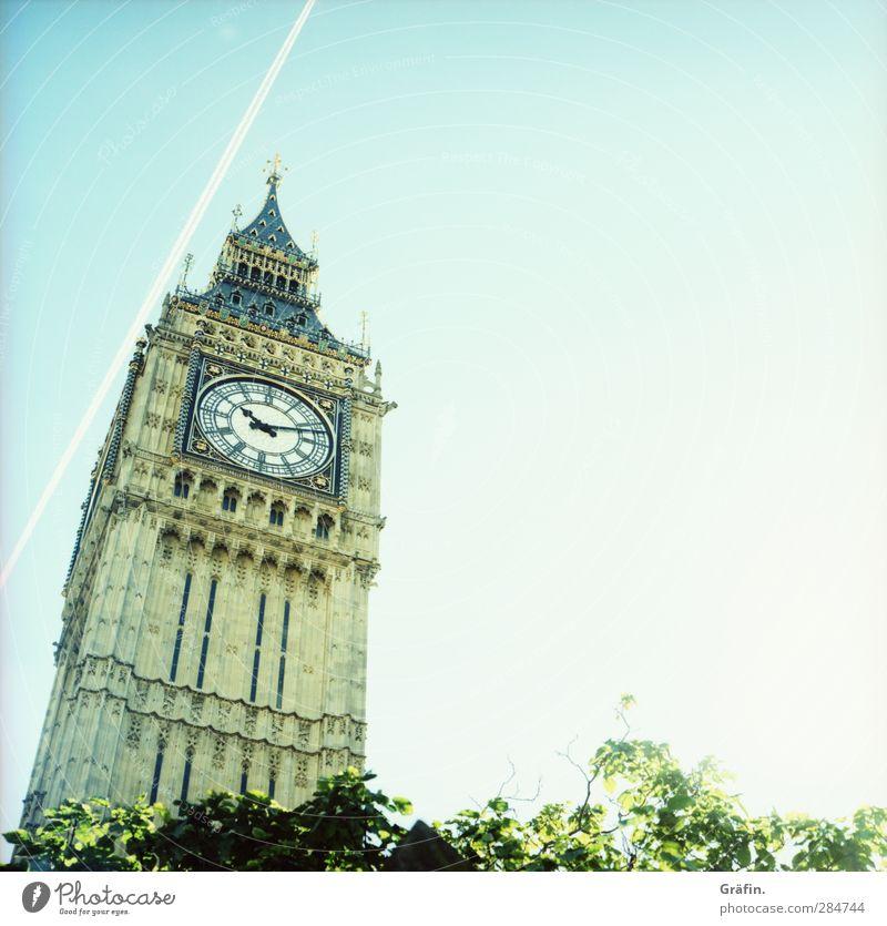 Irgendwie ist immer ein Flugzeug im Weg blau Ferien & Urlaub & Reisen braun groß Tourismus Turm Unendlichkeit Bauwerk Wahrzeichen Stadtzentrum