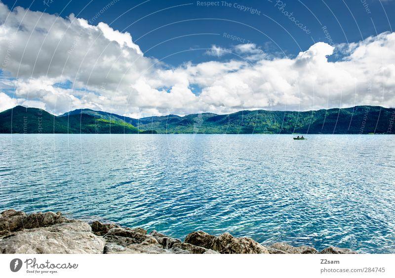 Allein auf weiter Flur Himmel Natur Ferien & Urlaub & Reisen Einsamkeit Wolken ruhig Landschaft Erholung Ferne Umwelt dunkel Berge u. Gebirge kalt See Horizont