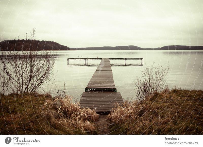 tristesse Natur Landschaft Himmel Herbst Winter schlechtes Wetter Gras Hügel Berge u. Gebirge Küste Seeufer Teich Erholung kalt ruhig Horizont Idylle Umwelt