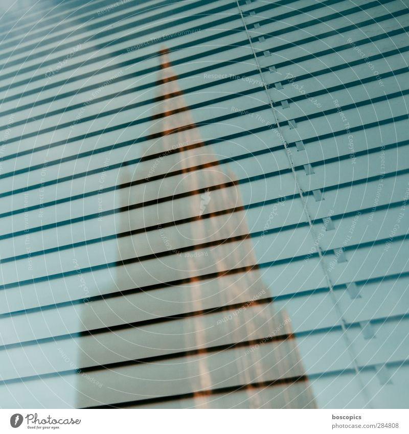 Ulmer Münster Deutschland Europa Stadt Stadtzentrum Kirche Turm Bauwerk Fenster Religion & Glaube Reflexion & Spiegelung Jalousie Farbfoto Außenaufnahme Tag