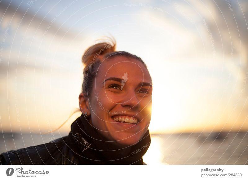 Happy End Ferien & Urlaub & Reisen Ausflug Ferne Freiheit Sommer Sommerurlaub Sonne Meer Insel Wellen Mensch feminin Junge Frau Jugendliche Erwachsene Leben