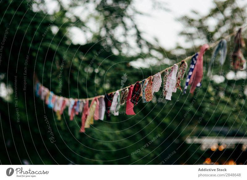 Zerkleinert am Seil Girlande Stoff festlich Dekoration & Verzierung Festspiele Feste & Feiern Design Karneval Fahnentuch Schnur Sommer Veranstaltung Ornament