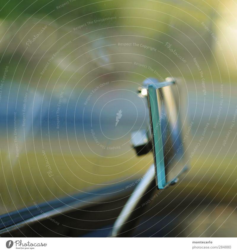 >>>>>>> Autofahren Fahrzeug PKW Oldtimer Spiegel Rückspiegel alt dünn authentisch einfach retro mehrfarbig nachhaltig Nostalgie Farbfoto Innenaufnahme