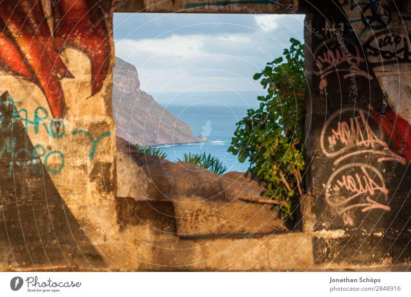 Fensterblick auf Küste von Teneriffa Natur Meer Graffiti Religion & Glaube außergewöhnlich Tod leuchten Aussicht Lebensfreude authentisch Hoffnung Ostern Mut