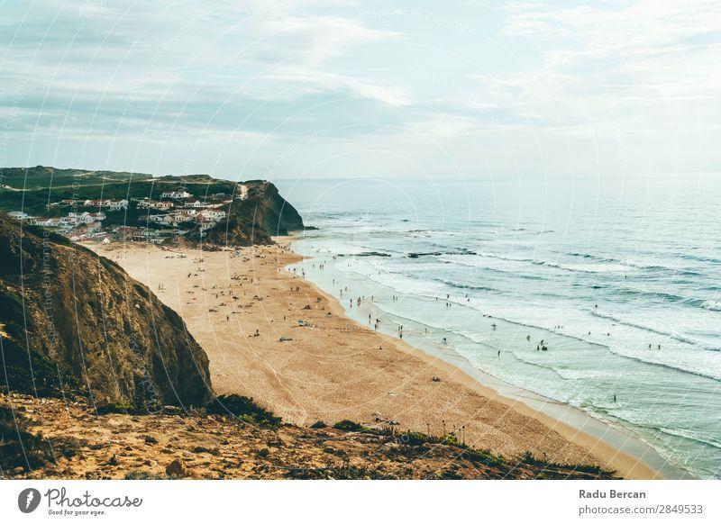 Ocean Beach, Berge und Kleinstadt an der Algarve, Portugal Ferien & Urlaub & Reisen Abenteuer Freiheit Sommer Sommerurlaub Sonnenbad Strand Meer Wellen Mensch