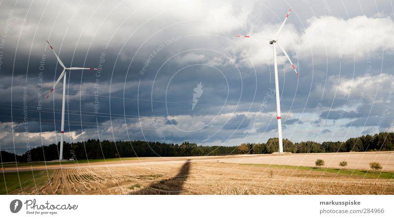 Energiewende > Windrad Landschaft Arbeit & Erwerbstätigkeit Feld Energiewirtschaft Zukunft Technik & Technologie Baustelle Industrie Landwirtschaft Beruf