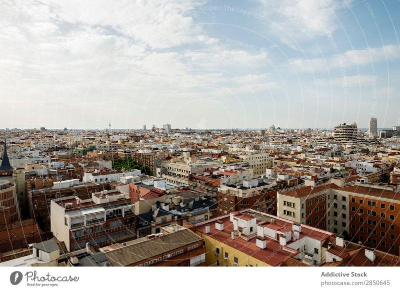 Madrid City mit hoher Gebäudedichte Skyline Infrastruktur geschlossen Urbanisierung Zeitgenosse Panorama (Bildformat) Entwicklung Strukturen & Formen Stadt