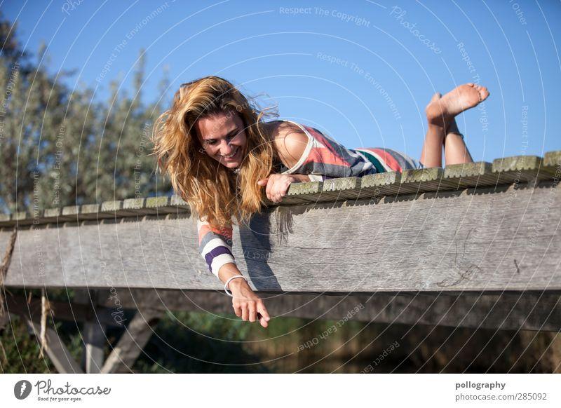 schau mal! Mensch Natur Jugendliche Ferien & Urlaub & Reisen Sommer Pflanze Freude Erwachsene Umwelt Leben feminin Gefühle Küste Glück 18-30 Jahre Zufriedenheit
