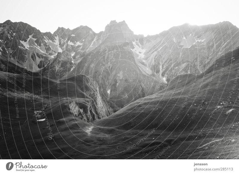 walking on the moon Ferien & Urlaub & Reisen Berge u. Gebirge wandern Umwelt Natur Landschaft Alpen Gipfel Schneebedeckte Gipfel Unendlichkeit hell ruhig