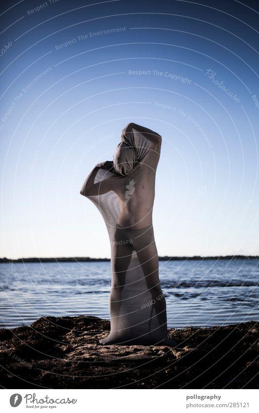 abstract bodies (12) Mensch maskulin Junger Mann Jugendliche Erwachsene Leben Körper 18-30 Jahre Umwelt Natur Landschaft Wasser Himmel Wolkenloser Himmel