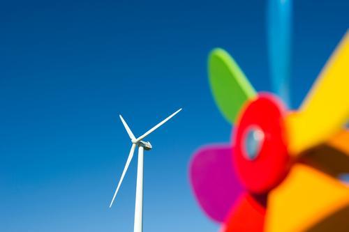 Energiewende und viel blauer Himmel Umwelt Wetter Wind Klima Energiewirtschaft Zukunft Schönes Wetter Wissenschaften Windkraftanlage Wolkenloser Himmel
