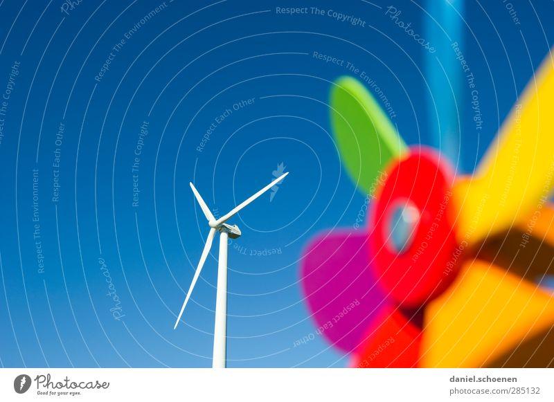 Energiewende und viel blauer Himmel Wissenschaften Fortschritt Zukunft Energiewirtschaft Erneuerbare Energie Windkraftanlage Umwelt Wolkenloser Himmel Klima