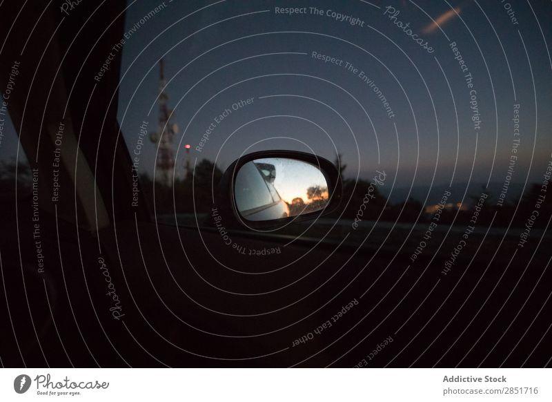 Auto-Rückspiegel Spiegel Rückansicht PKW Aussicht Seite Heck Dämmerung Außenaufnahme Verkehr Fahrzeug Fenster Tag Glas Reflexion & Spiegelung Sicherheit