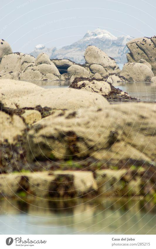 coast Himmel Natur Ferien & Urlaub & Reisen Wasser Meer Einsamkeit Wolken Landschaft Küste Luft Zeit Felsen Vergänglichkeit Gelassenheit Moos schlechtes Wetter