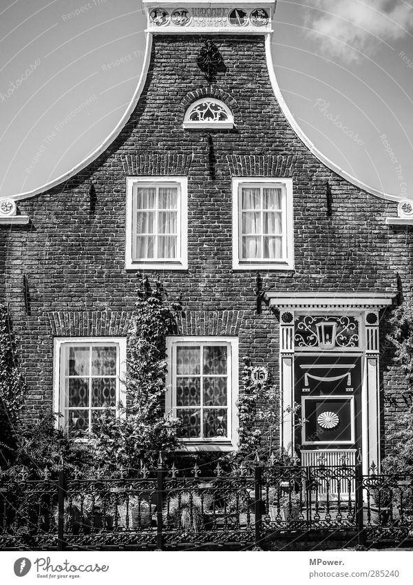 welch edle hütte alt Wolken Haus Fenster Architektur Gebäude Garten Kunst Tür gut Bauwerk Dorf historisch Backstein Hütte Denkmal