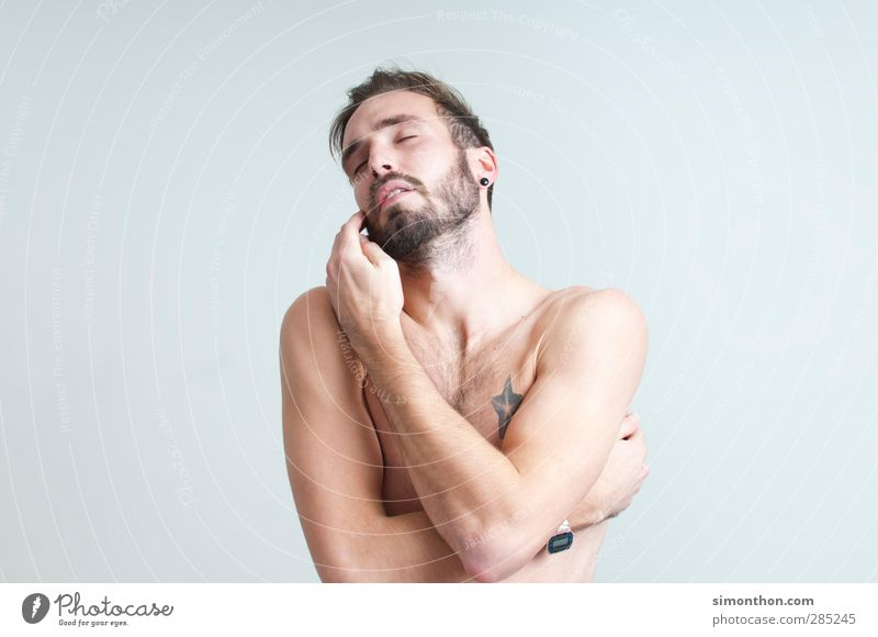 wohlbefinden Mensch Jugendliche schön 18-30 Jahre Erwachsene Liebe maskulin Zufriedenheit Körper Sex Warmherzigkeit Schutz Tattoo Vertrauen Bart Leidenschaft