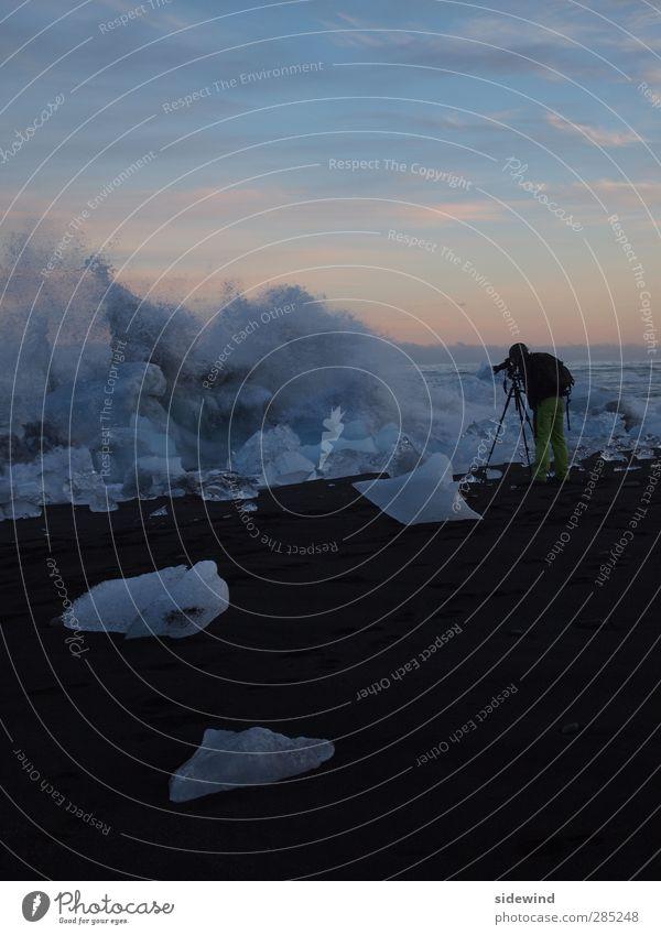 Hoppípolla - try to stay dry Freizeit & Hobby Ferien & Urlaub & Reisen Tourismus Ausflug Abenteuer Ferne Freiheit Expedition Strand Meer Wellen Winter Schnee