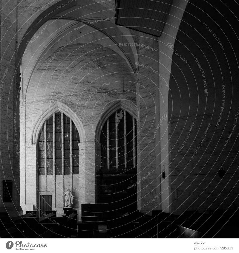 St. Petri, Wolgast alt dunkel Wand Architektur Mauer Religion & Glaube Gebäude Kunst groß Ordnung hoch leer Kirche ästhetisch Hoffnung Kultur
