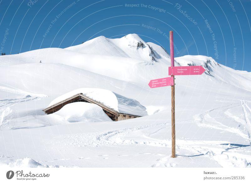 Winterurlaub Natur Ferien & Urlaub & Reisen Landschaft Erholung Berge u. Gebirge Schnee Wege & Pfade wandern Tourismus Zeichen Wellness Hütte Richtung