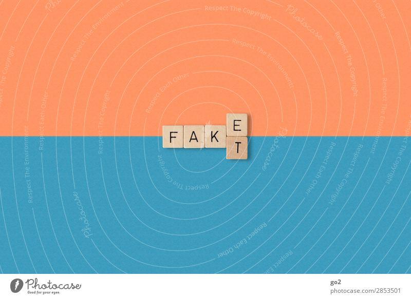 Fake oder Fakt Spielen Schriftzeichen Kommunizieren authentisch Zukunft gefährlich bedrohlich Zukunftsangst Internet Medien Konflikt & Streit